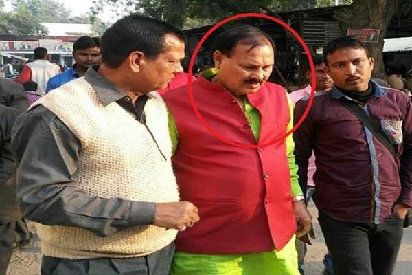 former mp accused of constable s murder gets relief from allahabad hc
