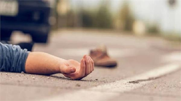 tragic accident on agra lucknow expressway 2 workers killed due to high