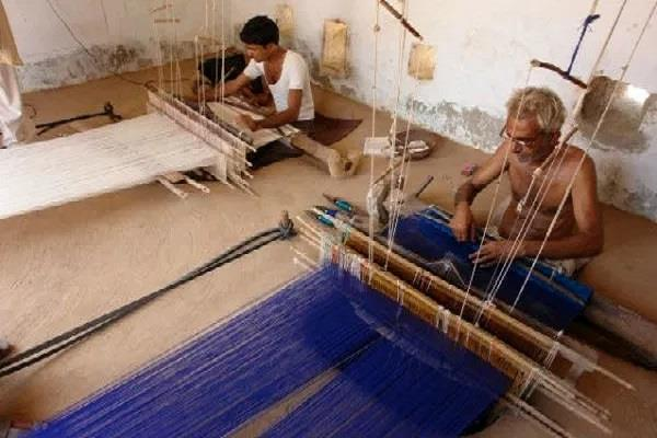 handloom moods in the lost mow who should weavers tell their pain