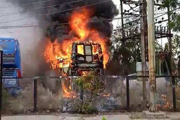 volvo bus indore caught fire suddenly caught after hard work