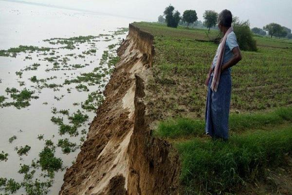 ballia of up trapped in danger of ganga erosion youth chetna wrote to pm