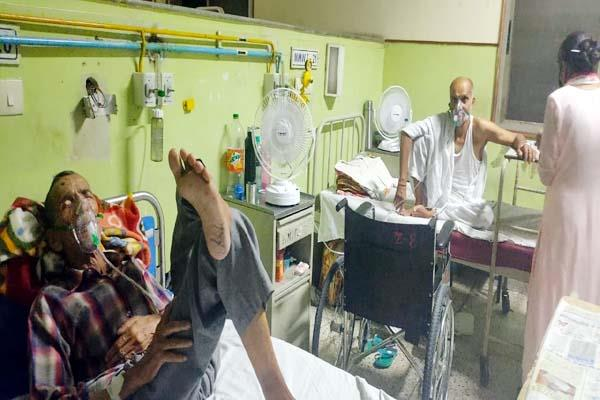 ac and fans closed in tanda hospital