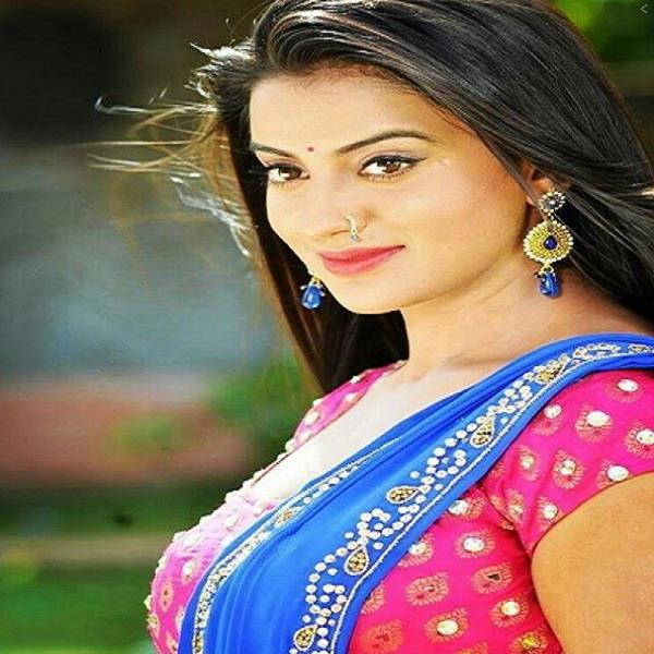 singer ritesh apologizes to bhojpuri and actress akshara singh