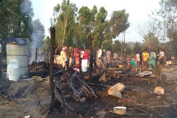 fire in 17 slums of laborers in hoshiarpur
