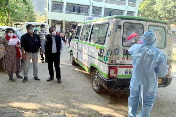 taken samples of quarantine 157 people in bhatiyat