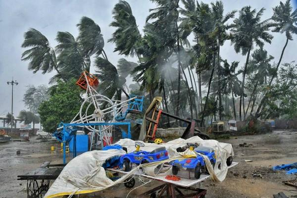 cyclone nisarg got weak orange alert in palghar