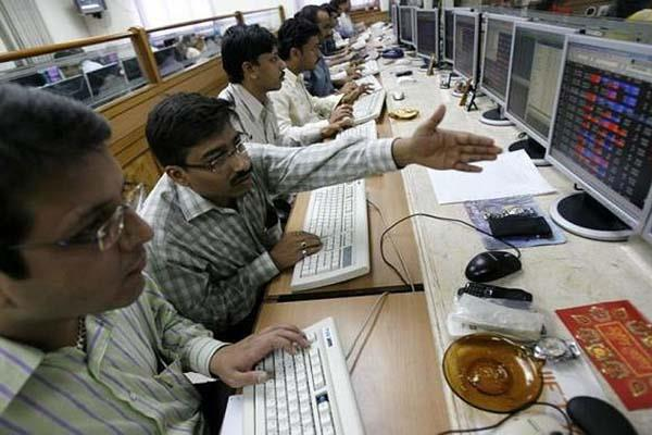 market down 250 points as stock markets fall due to rising tensions