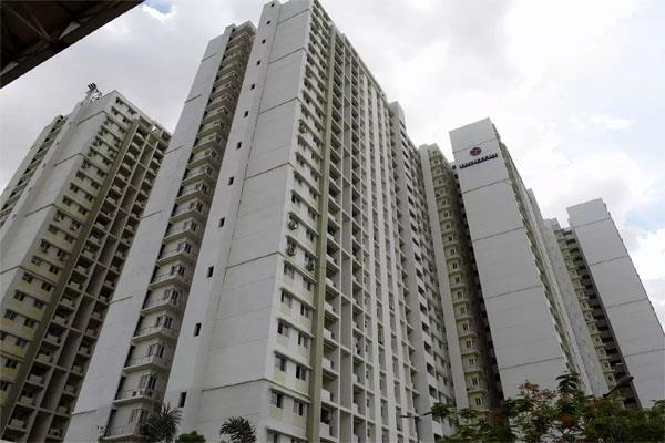 waiting for 1 lakh house buyers in ncr