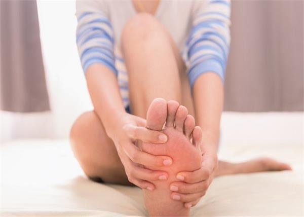 'धमनी रोग' का संकेत पैरों का सुन्न होना, जानिए कारण और उपचार