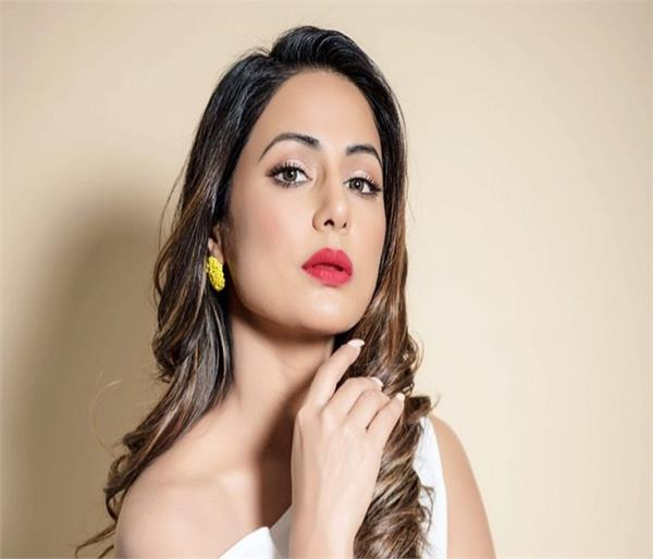 टीवी एक्ट्रेस हिना खान से जानें उनके घने, सुंदर बालों का राज