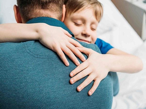 Father'day Spl: हाथ पकड़ जिसने चलना सिखाया आज उन्हें समझने की बारी हमारी