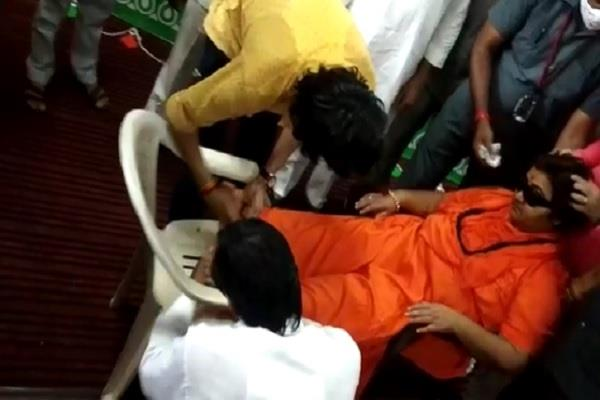 sadhvi pragya s health deteriorated in bjp office she fell insensitive