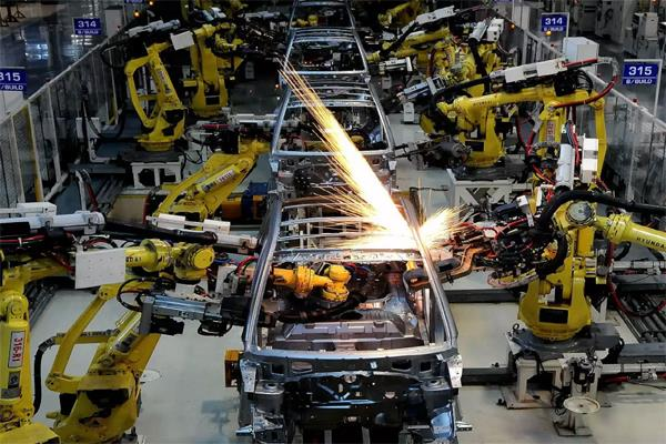 manufacturing sector slips in may layoffs at record levels