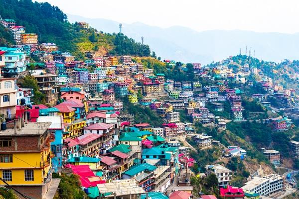 hotel owners refuse to open hotel in himachal status of temples not fixed