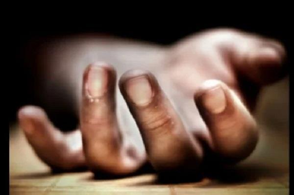 wife was facing divorce case in court husband room suicide