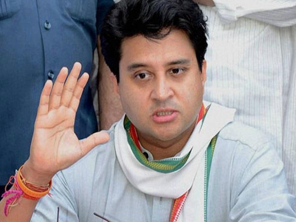 congress posted scindia s tweet reminded of mandsaur firing