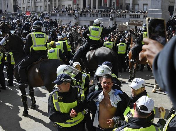 george floyd death more than 100 protesters arrested in london