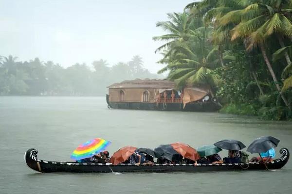 monsoon reaches kerala heavy rain in many areas red alert for kozhikode