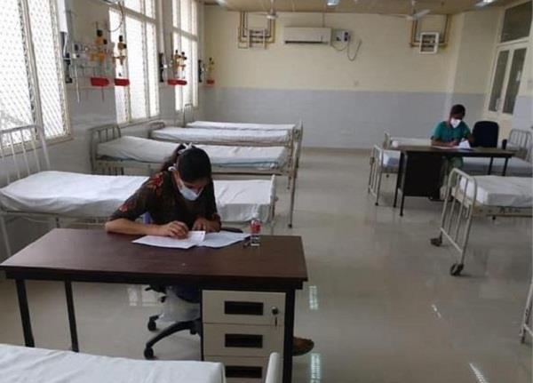 captain salutes nurses papers in isolation ward of rajindra hospital
