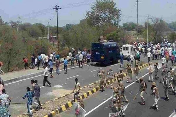mandsaur firing jitu patwari pays tribute to late farmers
