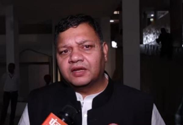 neeraj said government interfere in retrenchment of employees in company