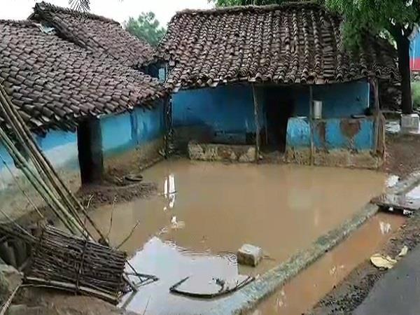 heavy rains flooded the lower settlements