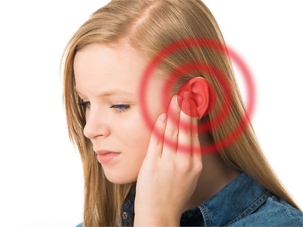 Ear Itching: ठंडा खाते ही कान में क्यों होती है तेज खुजली?