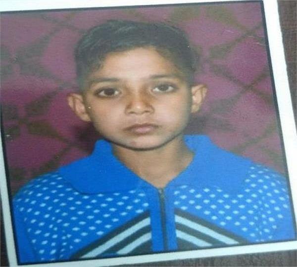 11 year old child dies due to snake bite