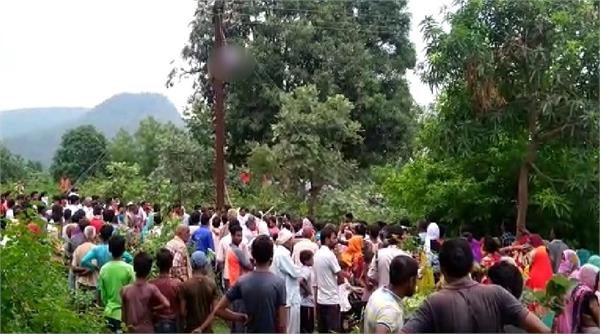 line man dies due to electrocution in satna
