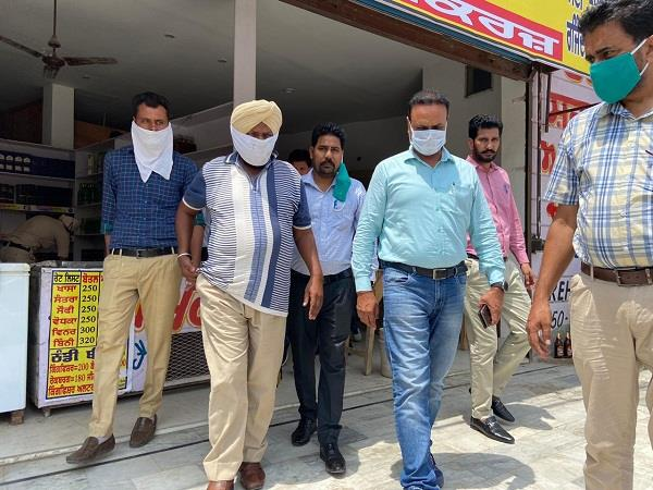 asi of excise department over red handed taking bribe of rs 5500