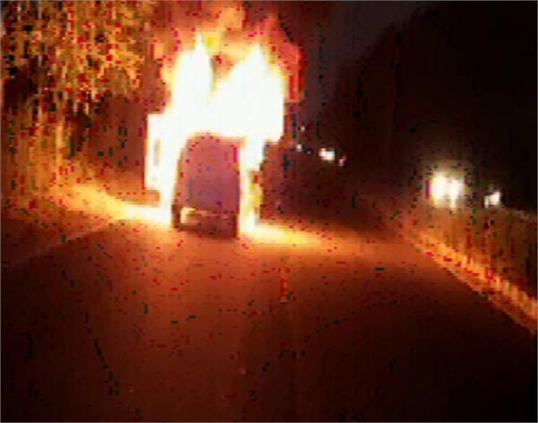 car caught fire amritsar