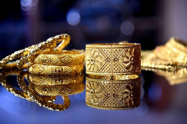 sbi raised 13212 kg gold by giving gold loan you can also avail