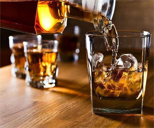 punjab government comes in favor of liquor traders