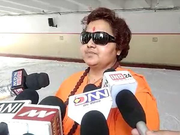 sadhvi pragya s spunk while talking to media
