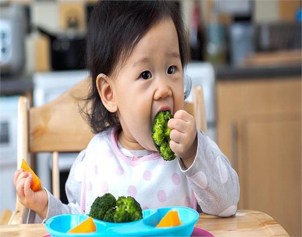 बच्चों में शुरूआत से डालें ये 5 आदतें, बीमारियां रहेंगी दूर