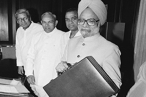 manmohan singh gave 100 crore rupees in the budget rgf