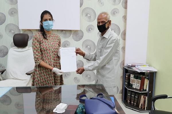 danveer became the elderly messiah sdm and civil surgeon honored for the needy