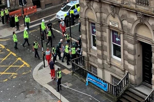 knife in a hotel in glasgow three people dead