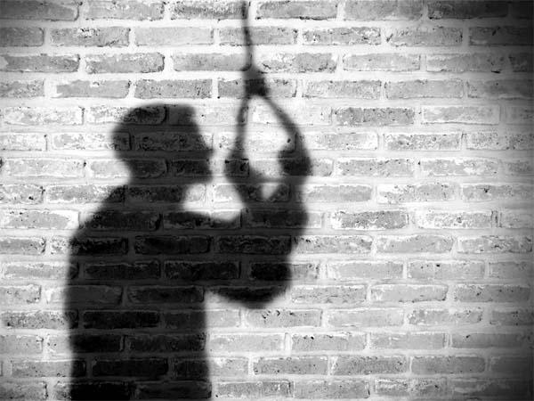फंदे से झूल गया होटल का कर्मचारी, सुसाइड नोट में लिखी आत्महत्या की वजह