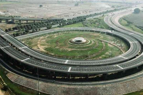 80 percent work of country s longest purvanchal expressway completed