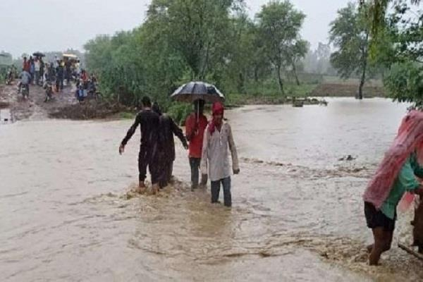 why our govt have not been successful so far in dealing with floods