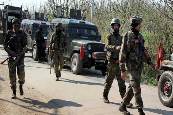 j k terrorist attack on crpf team in baramulla 2 jawans injured