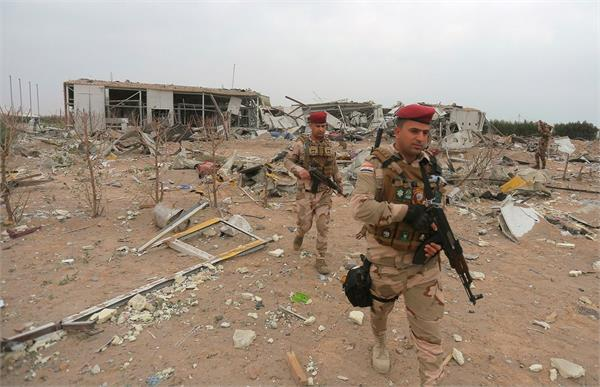 3 rockets hit military base housing us forces near iraq s capital