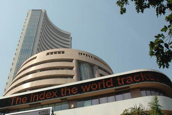 market falls over 100 points in early trade nifty down 11 750 points