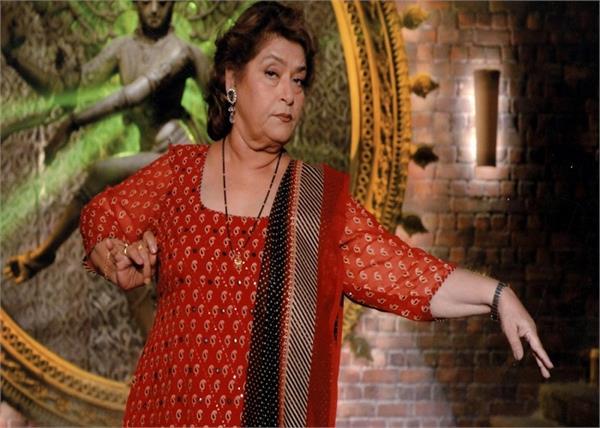 डांस करते हुए लड़खड़ा गए थे सरोज खान के कदम, फिर भी हिम्मत नहीं हारी