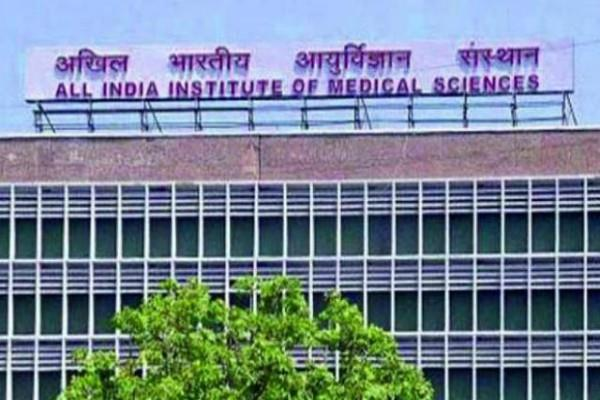 20 cm knife stabbed in liver aiims performed historical surgery