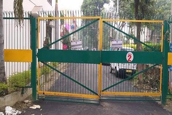 people gates in colonies