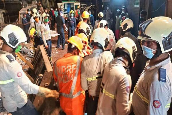 mumbai death toll due to building collapses to 6