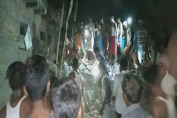 three people die after falling house in rohtas