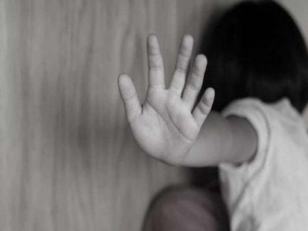 minor girl working at home raped accused overcame